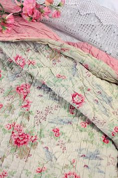Vintage Home - Victorian Roses and Bluebirds Welsh Quilt.