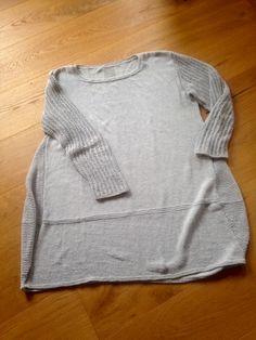 Sweaters, Fashion, Breien, Moda, Fashion Styles, Sweater, Fashion Illustrations, Sweatshirts, Pullover Sweaters