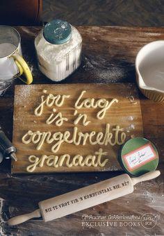 Jou lag is 'n oopgebreekte granaat Lag weer dat ek kan hoor hoe lag die granate - Ingrid Jonker Food Typography, Typography Letters, Typography Design, Hand Lettering, Type Design, Food Design, Graphic Design, How To Open Pomegranate, Typography Inspiration