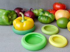 Food Huggers: The Food Huggers keeps the cut fruits and vegetables fresh by creating a seal that locks in their natural juices and moisture.