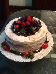 Naked Cake com recheio de brigadeiro trufado e doce de leite!