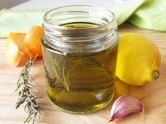 Cómo hacer aceites aromáticos caseros de una manera sencilla y conseguir platos distinguidos. - http://www.monstruorecetas.es/2016/04/como-aromatizar-aceites-caseros.html