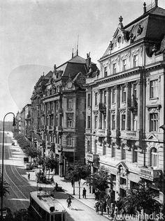 Ul. Obrancov mieru, Štefánikova ul. Bratislava, Old Street, Squares, Louvre, Times, Architecture, Building, Travel, Arquitetura