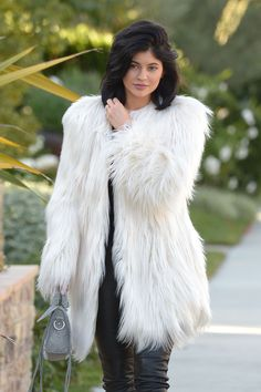 Kylie Jenners Faux Fur Coat Is Mad Cheap | Cambio