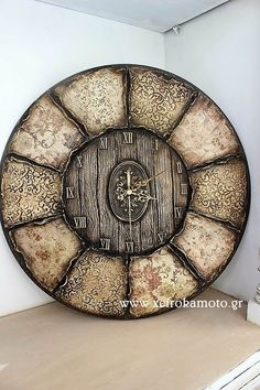 Clock with rice paper decoupage clay and wood effect #Decoupage #clay #clock #woodeneffect #wood #woodclock #xeirokamoto #Ricepaper