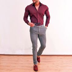 Maroon Shirt Outfit, Red Shirt Outfits, Mens Casual Dress Outfits, Formal Men Outfit, Stylish Mens Outfits, Color Combinations For Clothes, Designer Suits For Men, Mens Fashion Suits, Well Dressed Men