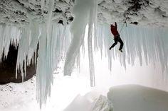 La cueva de Spray es un lugar que parece sacado de otro mundo. Alli la escalada en hielo cobra otra dimensión. Estan más fuertes que el vingre!