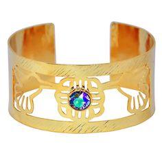 Hola septiembre!   Les Presentamos nuestra Coleccion especial Perfecta para este mes de amor y amistad  Brazalete colibrí hecho a mano en bronce con baño en oro de 24  K. Cristal Swarovski