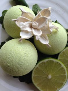 """NEW!!! Handmade aromatherapy """" Mojito"""" fizzy bath bombs with zesty lime and cooling mint oils... Love it!""""!! <3"""