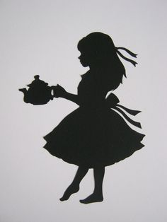 alice in wonderland silhouette. Not sure if I would choose Alice, but I do like silhouettes Silhouette Art, Silhouette Projects, Alice In Wonderland Silhouette, Silhouettes, Mad Hatter Tea, Adventures In Wonderland, Wonderland Party, Wonderland Alice, Tea Party