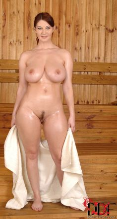 Hot babe nude