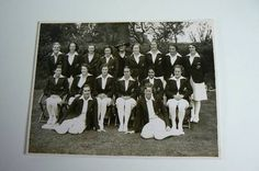 Black and white photograph of the 1937 Australian Women's Cricket Team http://collectionsearch.nma.gov.au/ce/Howard,%20Peggy?object=40109