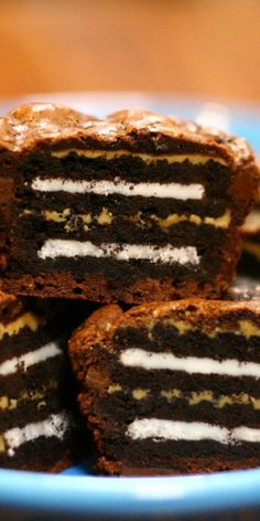 """Peanutbutter and oreo brownies... ONE DAY I'LL WAKE UP IN THE HOSPITAL WITH SIX BLOOD CLOTS AND A MALFUNCTIONING HEART AND MY MOM WILL SAY """"OH SWEETIE, HOW DID IT EVER COME TO THIS?"""" AND MY CHOKED OUT, DYING WORDS WILL BE... """"IT WAS PINTEREST.."""""""