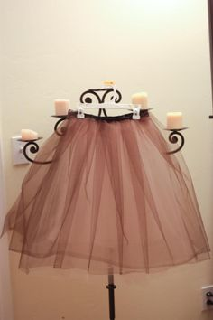 Delusions of Grandeur: DIY Tulle Skirt Tutorial - me wanteth one of this