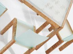 ACRYLITE® Satinice velvet texture acrylic table and chairs #plexiglass www.acrylite-shop.com?expa=pinterest.furniture
