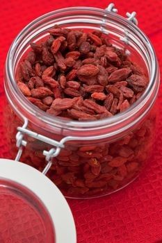 Tibetan Goji Berries contain high levels of anti-oxidants that help boost skin's immune system