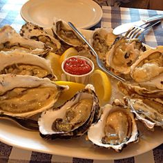 oysters @ tony's fish & oyster cafe, granville island, vancouver
