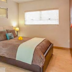 View Inn Da Mood and all our other Accommodation listings in Cape Town. Cape Town Accommodation, Disappointed, Credit Cards, Modern Bedroom, Housekeeping, Wi Fi, Catering, The Unit, Mood