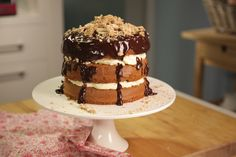 Ginger Layer Cake with Honeycomb Cream, Chocolate Ganache and Spiced Meringue Chocolate Chiffon Cake, Chocolate Ganache, Ginger Chocolate, Cake Preparation, Syrup Cake, Salted Caramel Cheesecake, Sbs Food, Occasion Cakes, Cake Tins