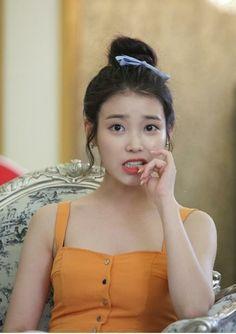 Y is she so fricking pretty Korean Star, Korean Girl, Kpop Girl Groups, Kpop Girls, Asian Woman, Asian Girl, Iu Fashion, Korean Actresses, Korean Celebrities