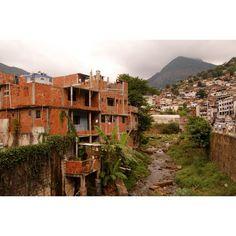 Sol Nascente, da cidade satélite de Ceilândia, considerada a maior favela do Brasil.