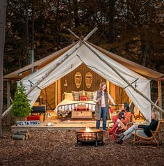 5 Top Midwest Glamping Destinations Your guide to swanky, dreamy, chilly-weather camping—with zero risk of sleeping on a tree root. Cabana, Lotus Belle Tent, Camping Glamping, Luxury Camping, Bell Tent Camping, Camping Resort, Camping Storage, Luxury Tents, Campsite