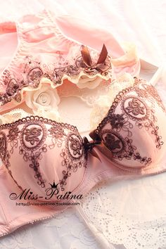 ladies sexy bra set, Embroidery luxury elegant flower underwear set from Reliable quality bra suppliers on LOVE US store-----Clothing Wholesale. Lingerie Plus, Lingerie Fine, Pretty Lingerie, Beautiful Lingerie, Lingerie Set, Women Lingerie, Sexy Bh, Bh Set, Moda Vintage