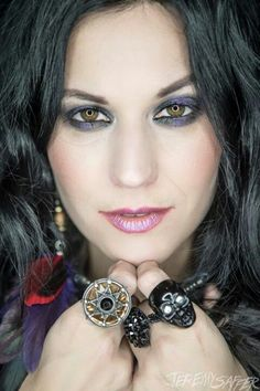 Cristina Scabbia of Lacuna Coil, Italian metal band from Milan. See all Cristina photos at http://www.pinterest.com/sexycalendars/cristina-scabbia-lacuna-coil/  espectacular!! <3 . <3