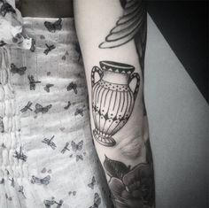 #tattoofriday - Handpoked tattoos. Thiago Bartels, Trigs, Brasil.