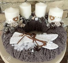 Síléces adventi koszorú ❄️ Christmas Advent Wreath, Christmas Candles, Christmas Time, Christmas Wreaths, Christmas Centerpieces, Christmas Decorations, Christmas 2016, Handmade Christmas, Christmas Sweaters