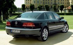 2011-volkswagen-phaeton-rear-three-quarter-2