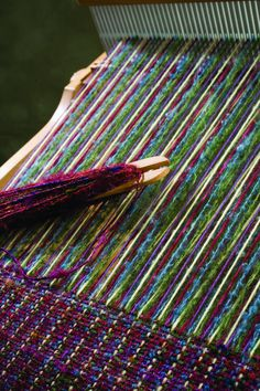 Rigid heddle weaving patterns with two heddles. Next step in my weaving journey! Weaving Textiles, Weaving Patterns, Tapestry Weaving, Tablet Weaving, Loom Weaving, Hand Weaving, Types Of Weaving, Art Du Fil, Woven Scarves