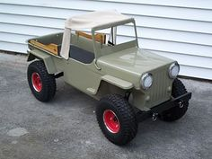 Doesent look like its a pedal car. Looks to me as tho it was built like a wagon. Very cool tho and great sheet metal work aswell . Pedal Tractor, Pedal Cars, Jeep Willys, Kids Jeep, Radio Flyer Wagons, Mini Bike, Mini Motorbike, Power Wheels, Jeep Cars