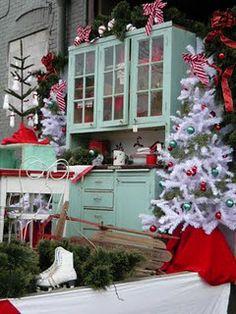 what fabulous Christmas decor!