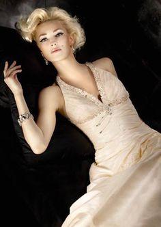 Marilyn Monroe wedding makeup.