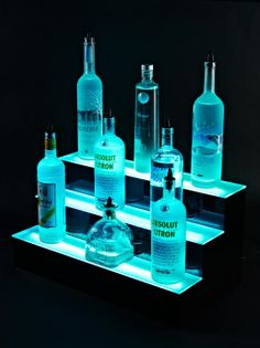 3 tier liquor shelf led display - The LED lights can change the look of the bar Bar Shelves, Display Shelves, Liquor Shelves, Shelving Ideas, Tapas Bar, Diy Home Bar, Bars For Home, Diy Bar, Aquariums