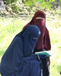 Arab Girls Hijab, Muslim Girls, Muslim Women, Hijabi Girl, Girl Hijab, Hijab Evening Dress, Evening Dresses, Hijab Niqab, Beautiful Hijab