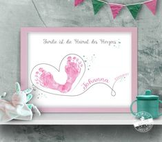 Footprint of the heart swinging - Baby - Baby Diy Summer Crafts For Toddlers, Mothers Day Crafts For Kids, Fathers Day Crafts, Valentine Day Crafts, Gifts For Kids, Butterfly Images, Butterfly Gifts, Baby Crafts, Toddler Crafts