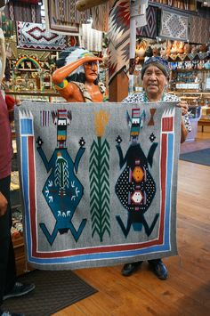 The Importance of Authenticity with Native American Jewelry – JewelryLuster Native American Rugs, Native American Patterns, Native American Crafts, Native American Beading, Native American Indians, Navajo Weaving, Navajo Rugs, Southwest Art, Southwestern Rugs