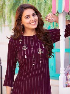 Neckline Designs, Neck Designs For Suits, Dress Neck Designs, Designs For Dresses, Blouse Designs, Patiala Salwar, Anarkali, Saree, Embroidery On Clothes