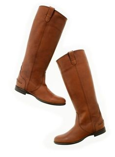 the Madewell archive boot in mahogany is pretty much my go-to boot from October to March