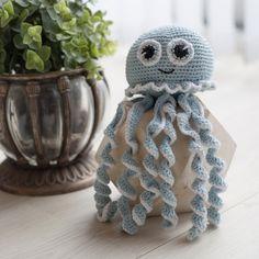 Posts about jellyfish written by josefinejeannette Diy Crafts Crochet, Crochet Gifts, Crochet Toys, Crochet Projects, Baby Knitting Patterns, Amigurumi Patterns, Amigurumi Doll, Crochet Patterns, Crochet Octopus