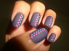 Another nice polka dot manicure on matte polish