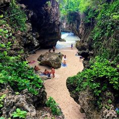 Suluban Beach, Bali, Indonesia. Don't forget when traveling that electronic pickpockets are everywhere. Always stay protected with an Rfid Blocking travel wallet. https://igogeer.com for more information. #igogeer