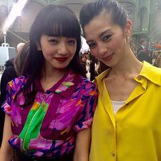 パリコレ最終日の朝シャネルのショー会場で小松菜奈ちゃんと中条あやみちゃんのキュートな2ショットをキャッチビビッドな色使いのルックがお似合い #シャネル #パリコレ #PFW #小松菜奈 #中条あやみ#こまつなな #ellegirl#chanelgroundcontrol via ELLE GIRL JAPAN MAGAZINE OFFICIAL INSTAGRAM - Celebrity Fashion Haute Couture Advertising Culture Beauty Editorial Photography Magazine Covers Supermodels Runway Models