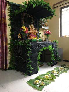 Janamashtami Decoration Ideas, Flower Decoration For Ganpati, Gauri Decoration, Mandir Decoration, Ganpati Decoration Design, Ganapati Decoration, Diy Diwali Decorations, Festival Decorations, Flower Decorations