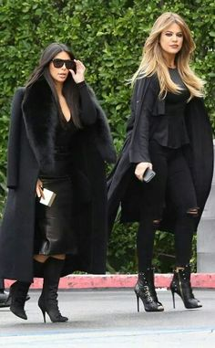 5b6390c37de2 The always-stylish Kim Kardashian topped off her seriously chic fur-adorned  jacket with angular flat-top sunnies!