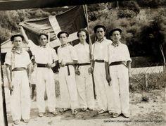 Dantzaris en fiestas de San Nicolás, hacia 1930 (Cedida por Miren Maialen Bustingorri) (ref. 03416)