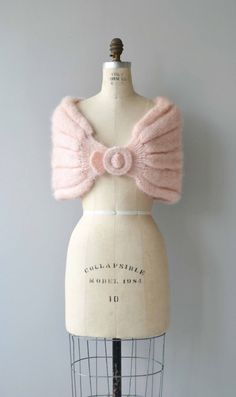 Vintage 1950s ballet pink mohair knit wrap with front clasp closure. --- M E A S U R E M E N T S --- fits like: one size fits all brand/maker: n/a condition: excellent To ensure a good fit, please read the sizing guide: http://www.etsy.com/shop/DearGolden/policy ➸ More tops & sweaters ✩ http://www.etsy.com/shop/DearGolden?section_id=5800171 ➸ Visit the shop ✩ http://www.DearGolden.etsy.com _____________________ ➸ ...