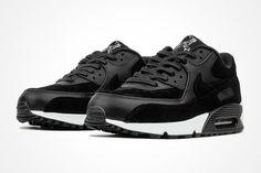 http://SneakersCartel.com Coming Soon: 'Rebel Skulls' Air Max 90s #sneakers #shoes #kicks #jordan #lebron #nba #nike #adidas #reebok #airjordan #sneakerhead #fashion #sneakerscartel https://www.sneakerscartel.com/coming-soon-rebel-skulls-air-max-90s/